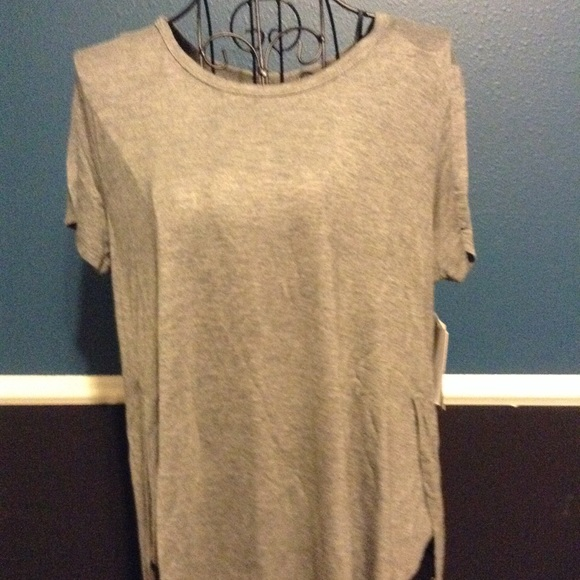 Grey sleep shirt NWT. NWT. Kensie c71d8add2